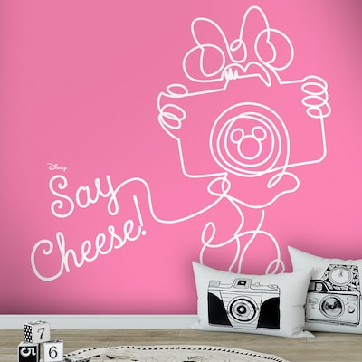 Say Cheese, Minnie Mouse!